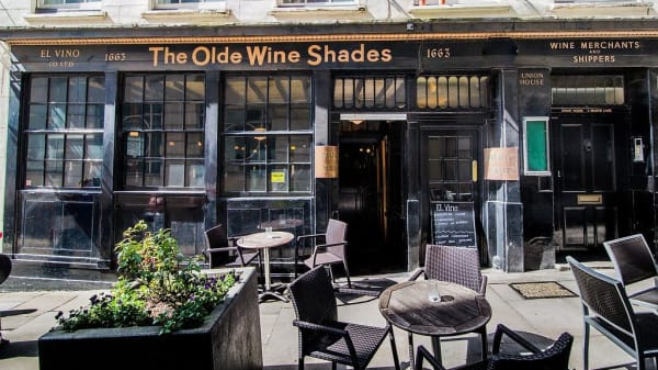 Restaurant - The Olde Wine Shades, London
