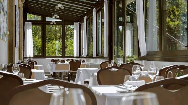 Toute l'année nos étudiant vous accueille dans notre véranda - Restaurant Vieux Bois - Ecole Hôtelière de Genève, Genève