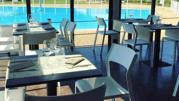 Interno vista piscina - Laetus, Lesmo