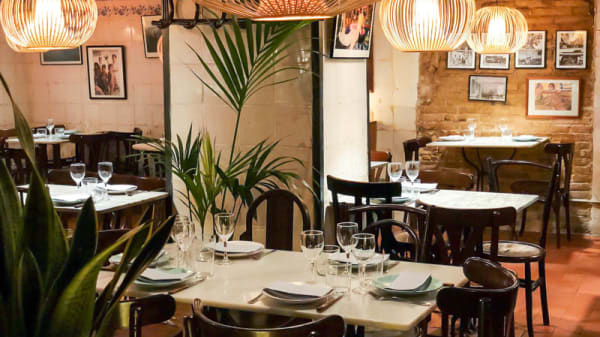 Sala del restaurante - La Cua Curta, Barcelona