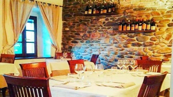 Veduta dell interno - Taverna del Castello, Torrechiara