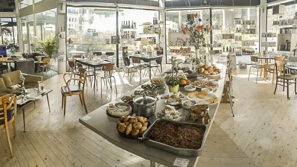Vue salle et buffet - LocalStore, Antwerpen