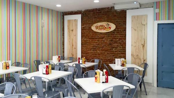 Vista de la sala - Toñi's Burger, Madrid