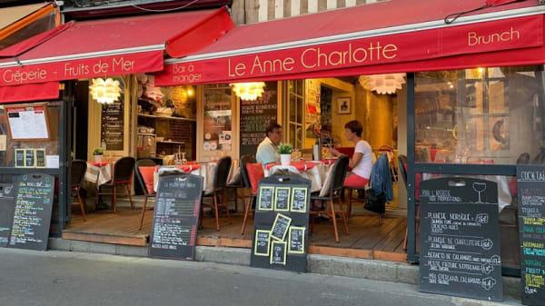 Devanture - Le Anne Charlotte, Honfleur