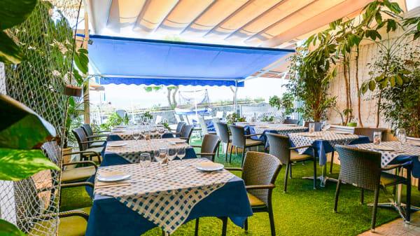 Terraza - Restaurante Taberna del Mar, La Cofradía, Marisquería en Tenerife, Los Abrigos
