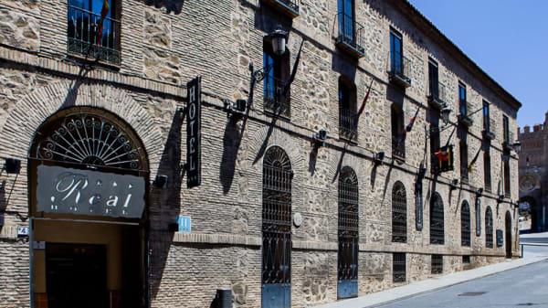 Entrada - El Tirador, Toledo