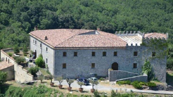 Ingresso - Castello dei Principi Sanseverino, Viggianello