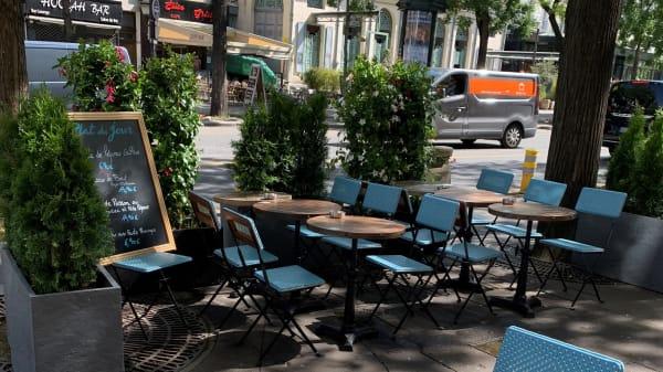 Strogoff Paris, Paris