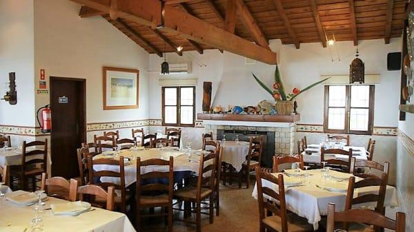Vista do interior - Restaurante Do Luis, Sines