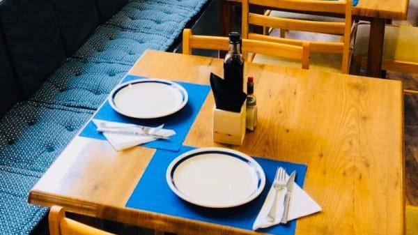 Vista sala - Holding Bar & Restaurante, Ibiza