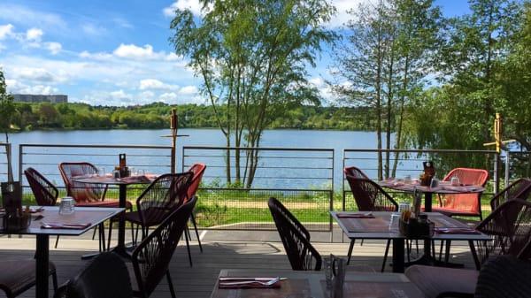Vue sur le Lac de Viry-Châtillon - Le Grill du Lac, Grigny