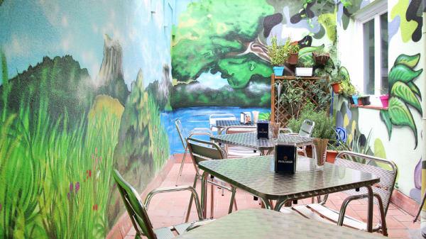Terraza en patio interior - Don Baco, Barcelona