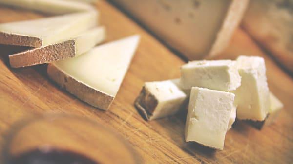 tagliere formaggi - Enoteca Vino Buono, Grumello Del Monte