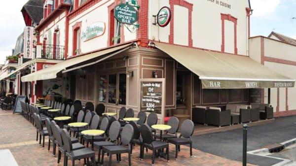 Vue extérieure - La Champagne Ardenne, Cabourg