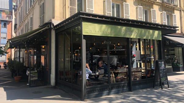 Devanture - Il Seguito, Paris