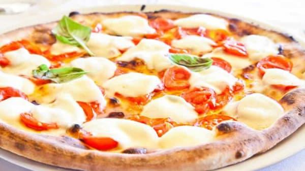 La pizza - Ristorante Pizzeria Due Leoni, Formigine