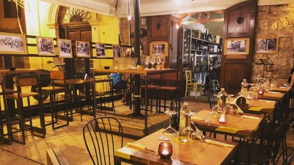 Tavoli all'aperto - InAlto, Bari