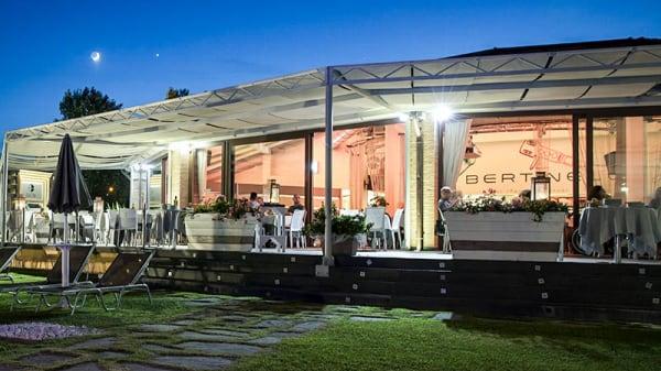 Terrazza - L'Hosteria Bertinelli, Noceto