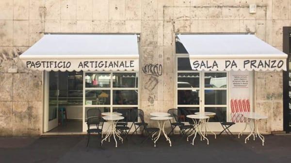 Facciata - Pastarmonica, Rome