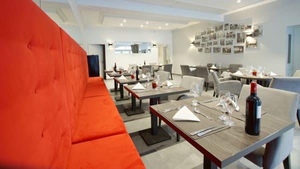 Salle du restaurant - Le Bourgogne, Évian-les-Bains