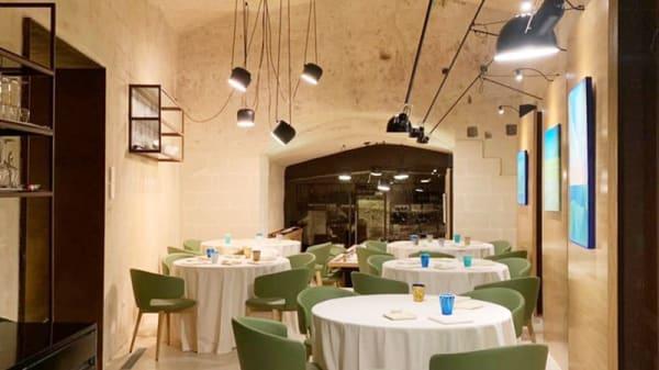 Vista della sala - Osteria al Becco della Civetta, Matera