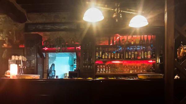 Vista bancone - Pieve Torina Saloon