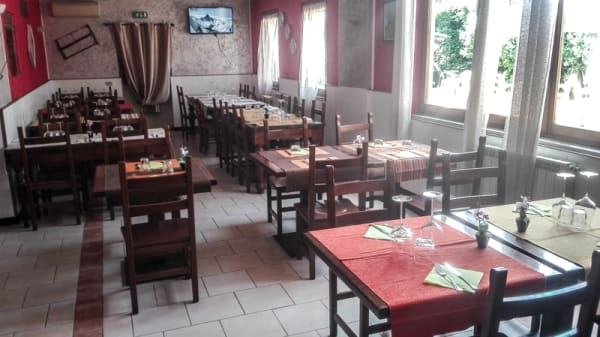 Sala del ristorante - Osteria Il Casale, San Martino Pizzolano