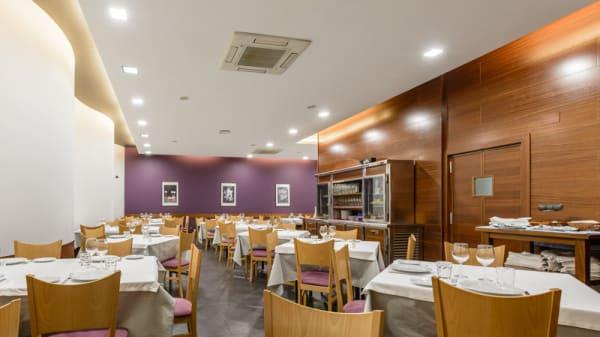 Sala del restaurante - Pirita, Valladolid
