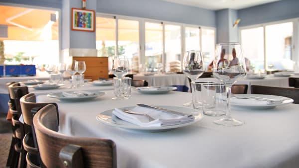 mesa montada de mediodía - Ria de Vigo, Barcelona