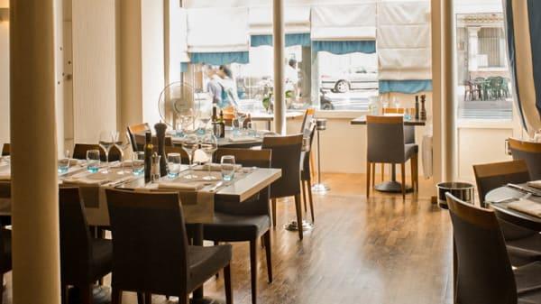 salle de restaurant - La Bonne Table, Clichy