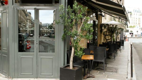 Les Fines Gueules, Paris