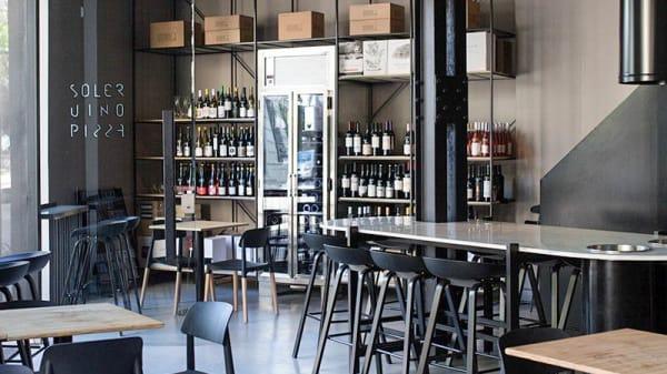 Vista de la sala - Soler Vino Pizza, CABA