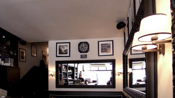 vue de la salle - Le café du roi rené, Aix-en-Provence
