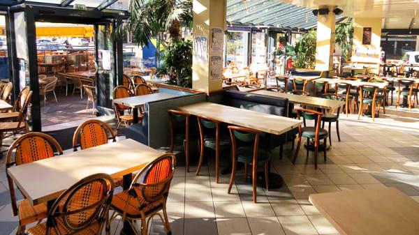 Salle de Restaurant - Le Paris Plage, Vernon