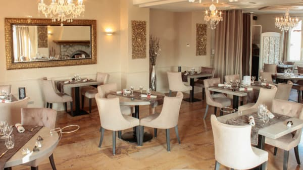 La salle de restaurant - La Valouse, Orgelet