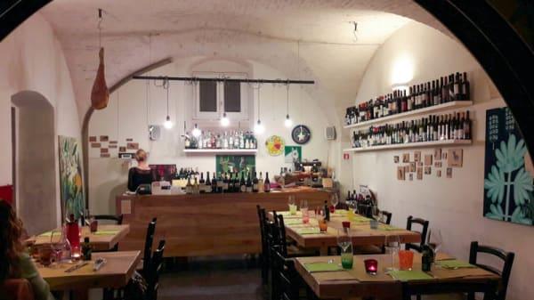 Sala del ristorante - Osteria Dodici Rondini, Foligno
