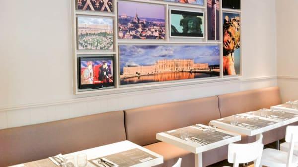 Vue salle - Monument Café, Versailles