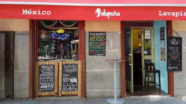 Fachada - Taquería La Jalapeña, Madrid