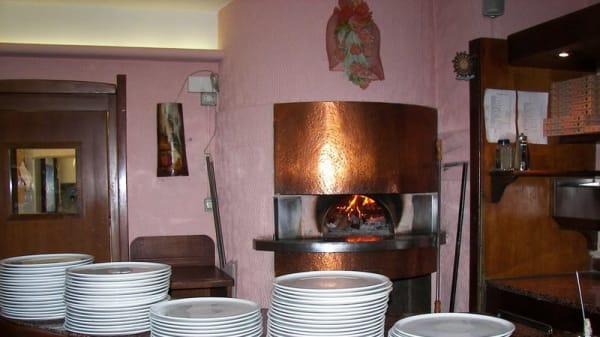forno a legna acceso - Al Peschereccio, Bollate