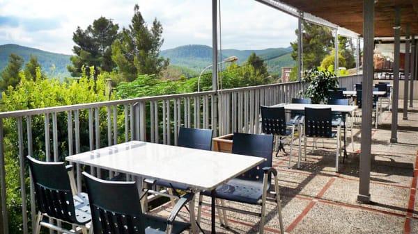 vista terraza - Hibiscus - Hotel Can Fisa, Corbera De Llobregat