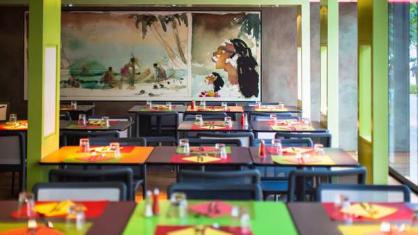 Tables dressées - Insula Cafe, Nantes