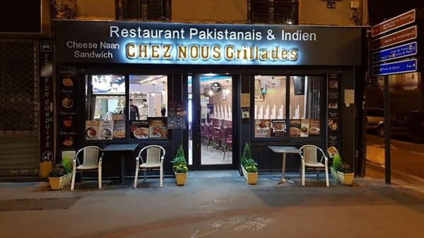 Devanture - Chez Nous Grillades, Saint-Denis