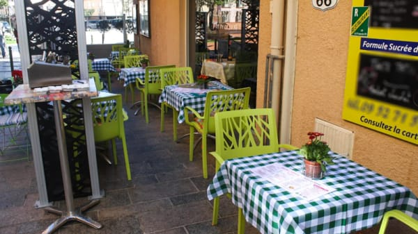 Terrasse - Chez Papy, Thuir