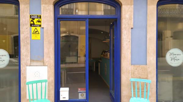 Entrada - Menina e Moça Pizzaria Healthy Food, Lisboa