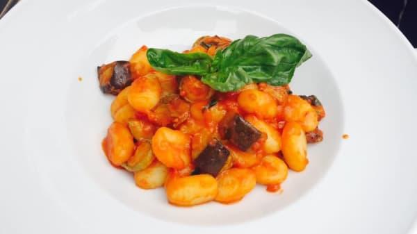 Lo Chef Consiglia - Ristorante Pizzeria Badia, Taormina