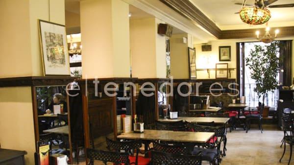 Vista sala - Café de los Austrias, Madrid