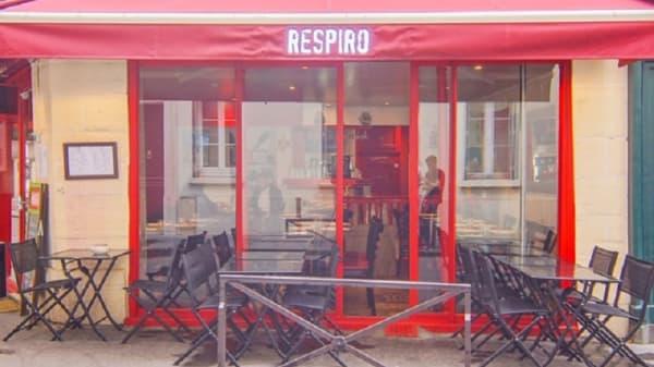 Dehors - Respiro, Paris