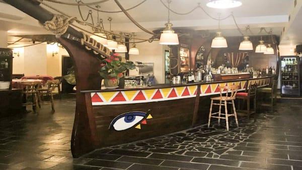 Bancone del Bar - Benvenuti Al Sud, Roma