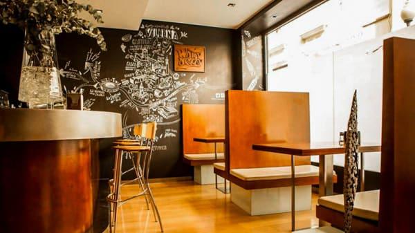 Vista barra restaurante Warynessy - Warynessy, Villena