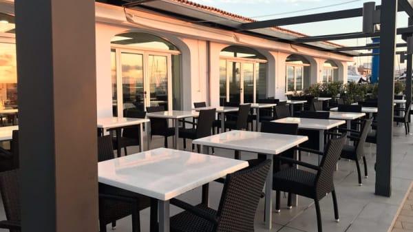 Terraza - Club Náutic S'Estanyol Restaurant, Estanyol de Migjorn (S')